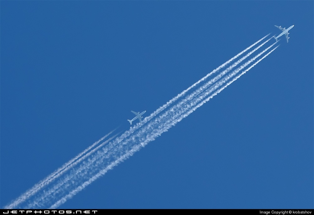 Photo of D-AIPR Airbus A320-211 by krobatshov