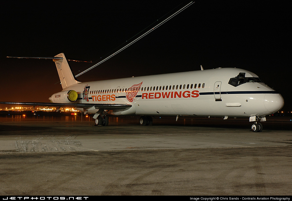 Photo of N682RW McDonnell Douglas DC-9-51 by Chris Sands - Contrails Aviation Photography