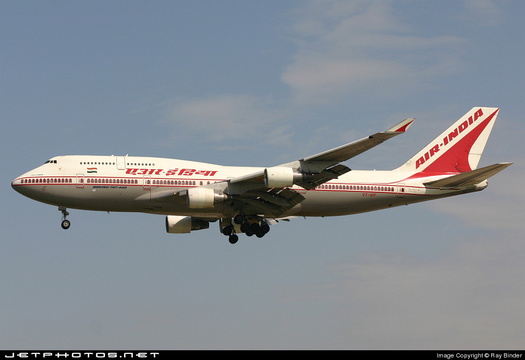 Photo of VT-AIF Boeing 747-412 by Ray Binder
