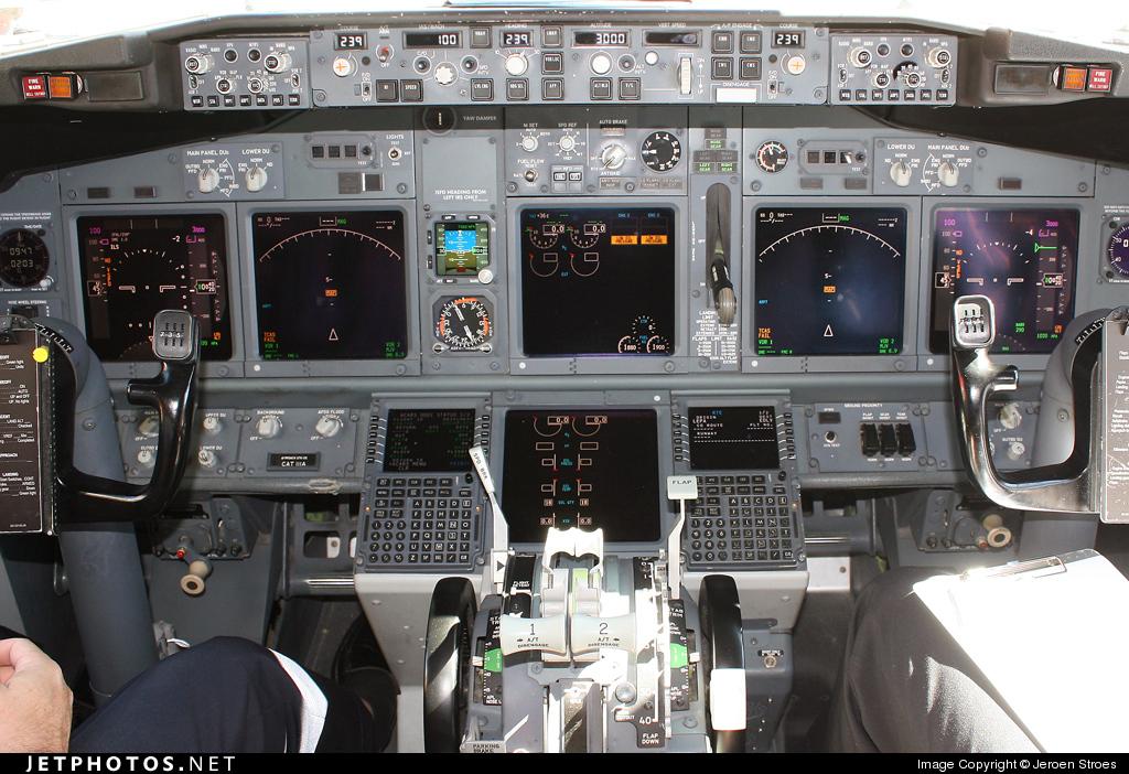 Photo of D-AXLD Boeing 737-8FH by Jeroen Stroes