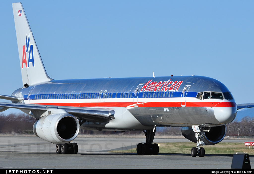 Photo of N621AM Boeing 757-223 by Todd Martin
