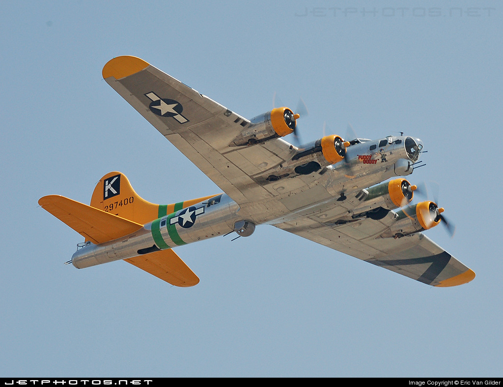 Photo of N9563Z Boeing B-17G Flying Fortress by Eric Van Gilder