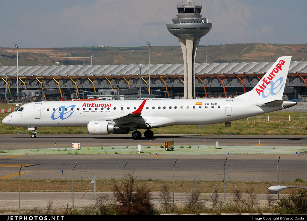 Photo of EC-KXD Embraer 190-200LR by Vasco Costa