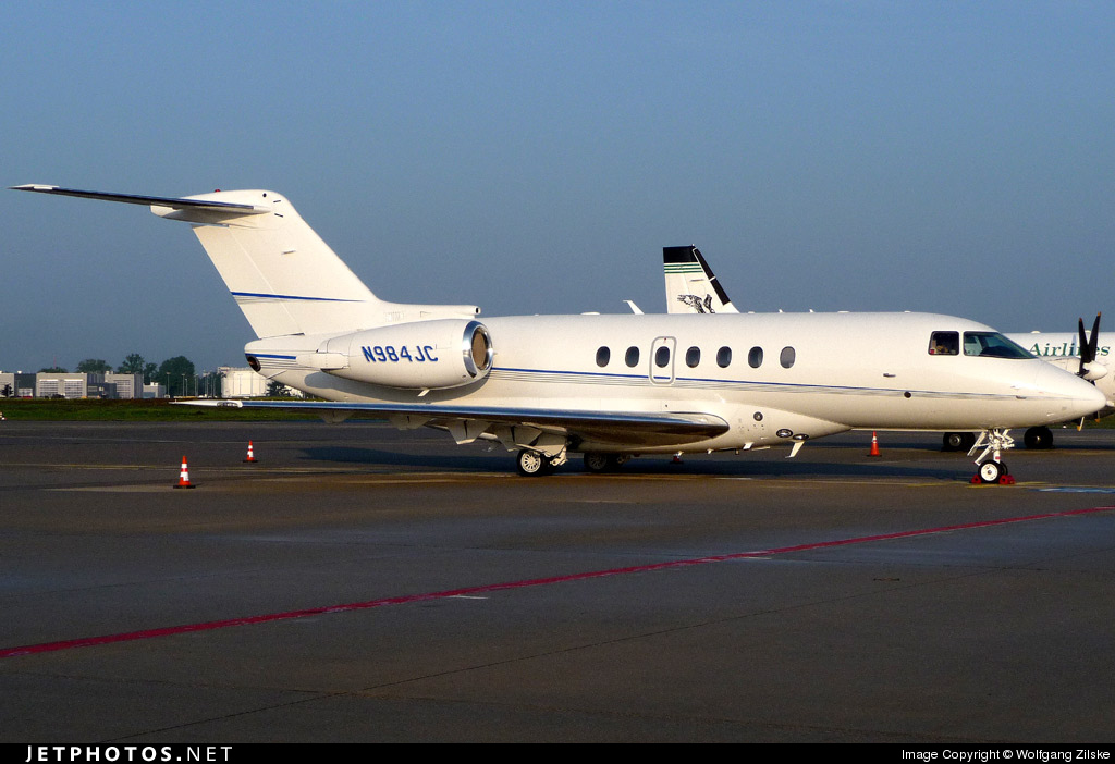 Photo of N984JC Hawker Beechcraft 4000 by Wolfgang Zilske