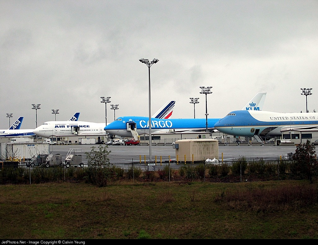 Photo of PH-CKA Boeing 747-406ERF by Calvin Yeung