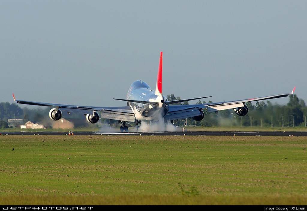 Photo of JA401J Boeing 747-446F(SCD) by Erwin