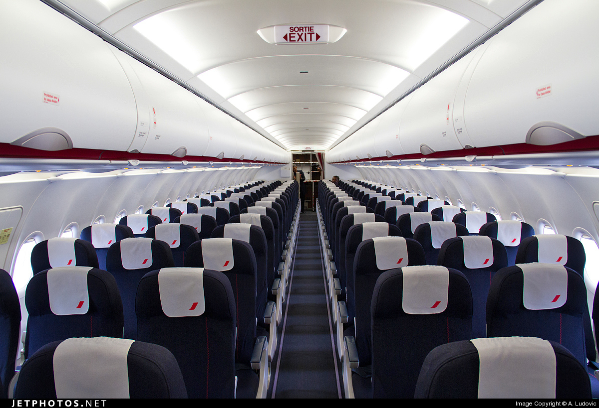 Photo f hepf cn 5719 airbus a320 214 by a ludovic for Interieur 747 air france