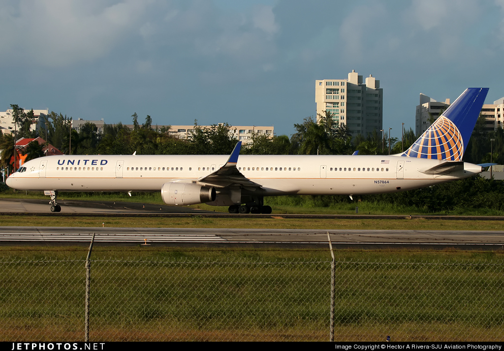 Photo of N57864 Boeing 757-33N by Hector Rivera - Puerto Rico Spotter