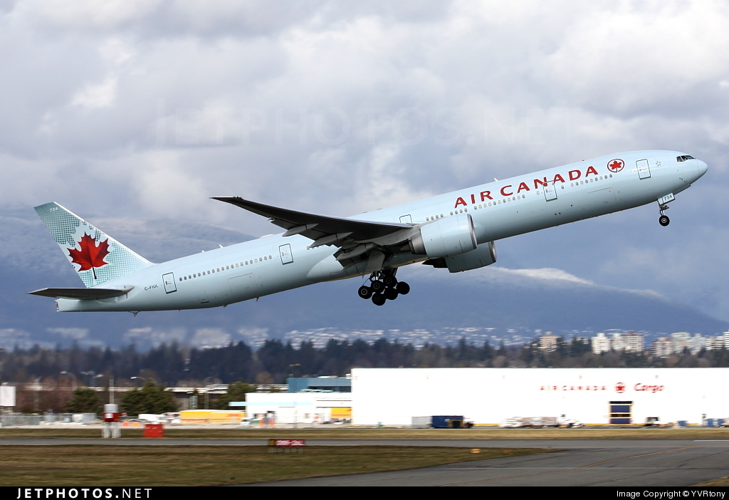 Photo of C-FIUL Boeing 777-333ER by YVRtony
