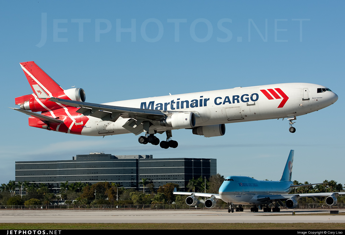 Photo of PH-MCW McDonnell Douglas MD-11(F) by Cary Liao