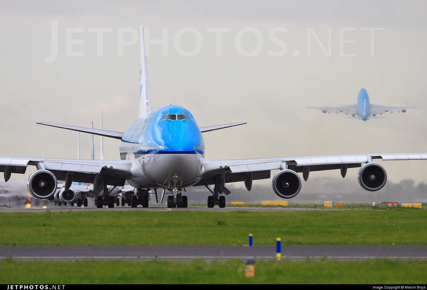 Photo of PH-BFL Boeing 747-406 by Marcin Bryja