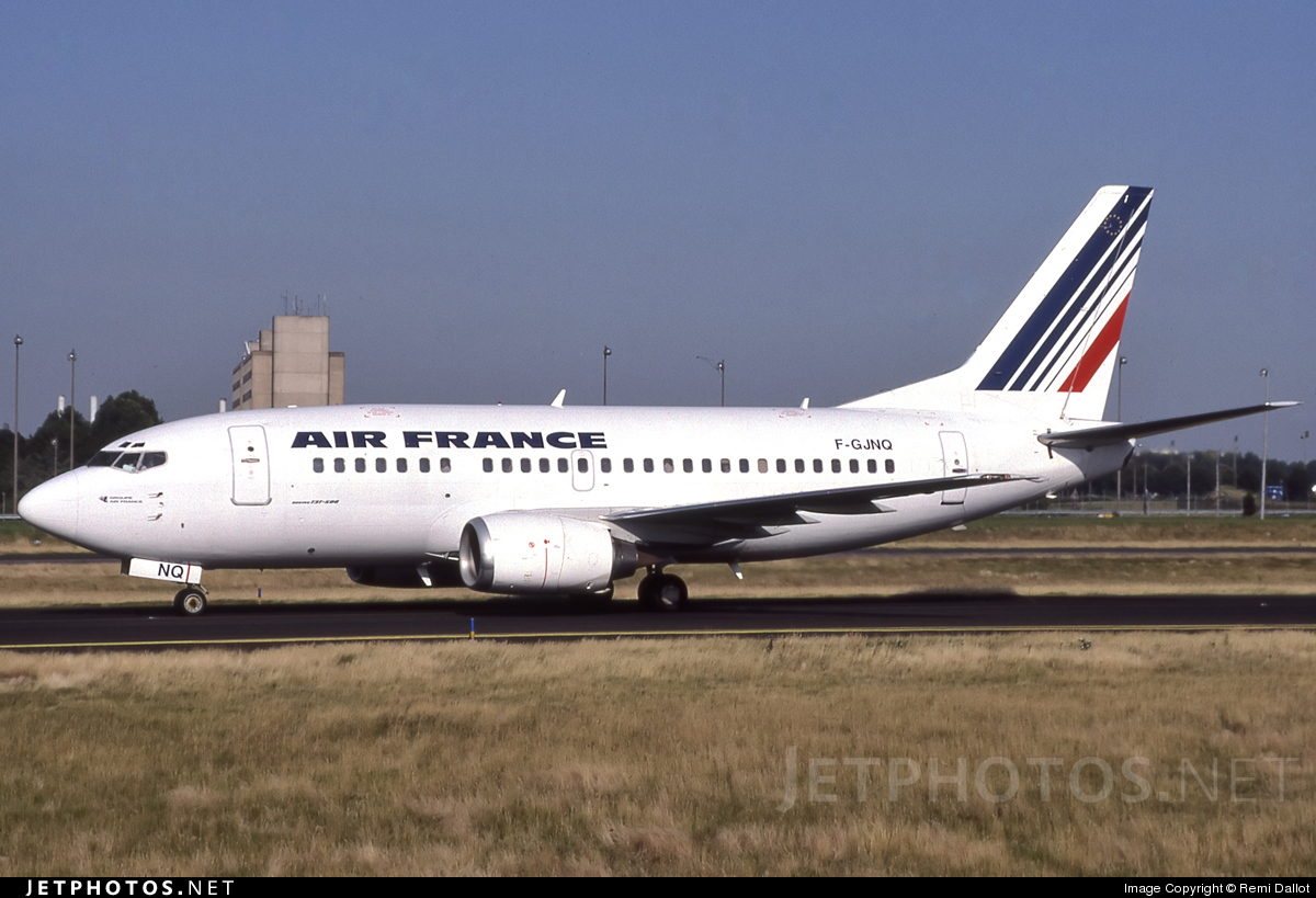 Photo of F-GJNQ Boeing 737-5H6 by Remi Dallot