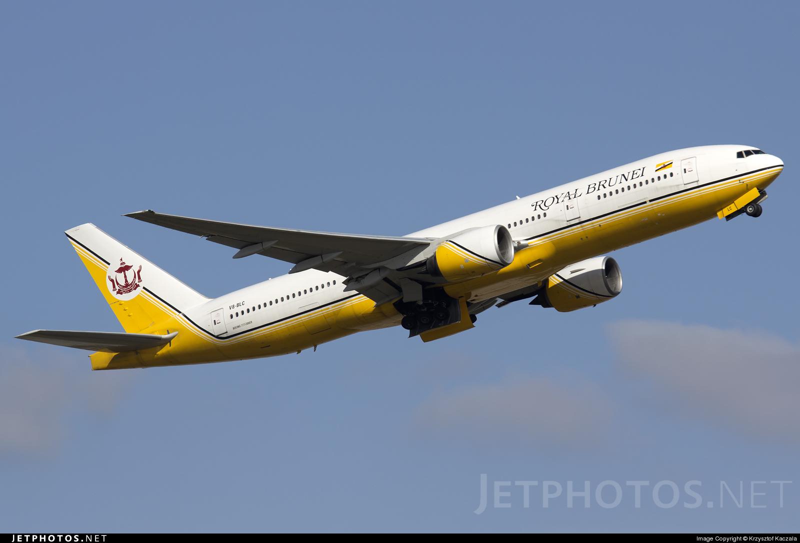 Photo of V8-BLC Boeing 777-212(ER) by Krzysztof Kaczala