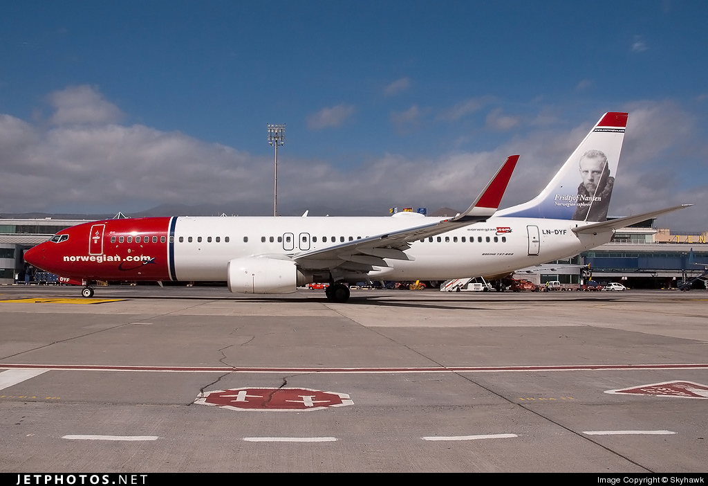 Photo of LN-DYF Boeing 737-8JP by Christian A. Amado