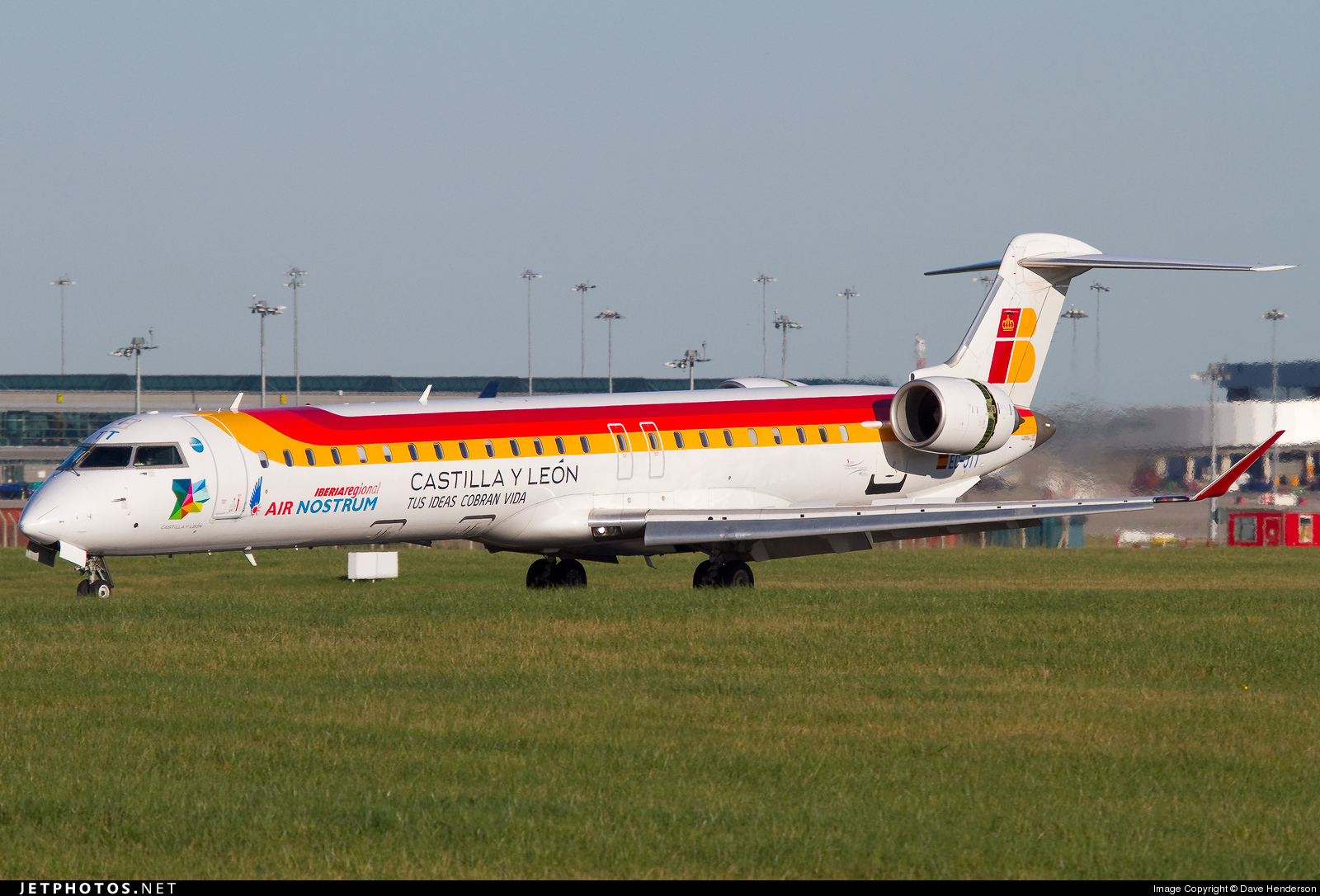 Photo of EC-JTT Bombardier CRJ-900ER by Dave Henderson
