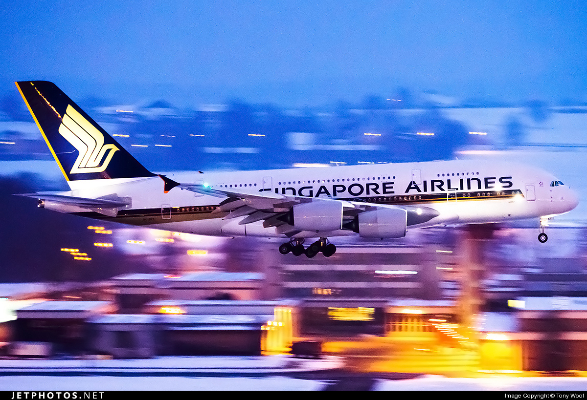 Photo of 9V-SKT Airbus A380-841 by Tony Woof