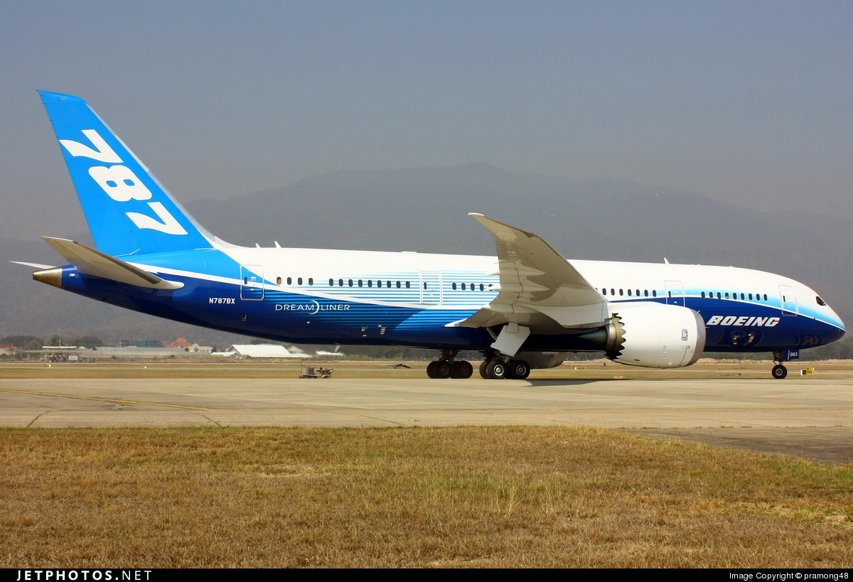 Photo of N787BX Boeing 787-8 Dreamliner by pramong48