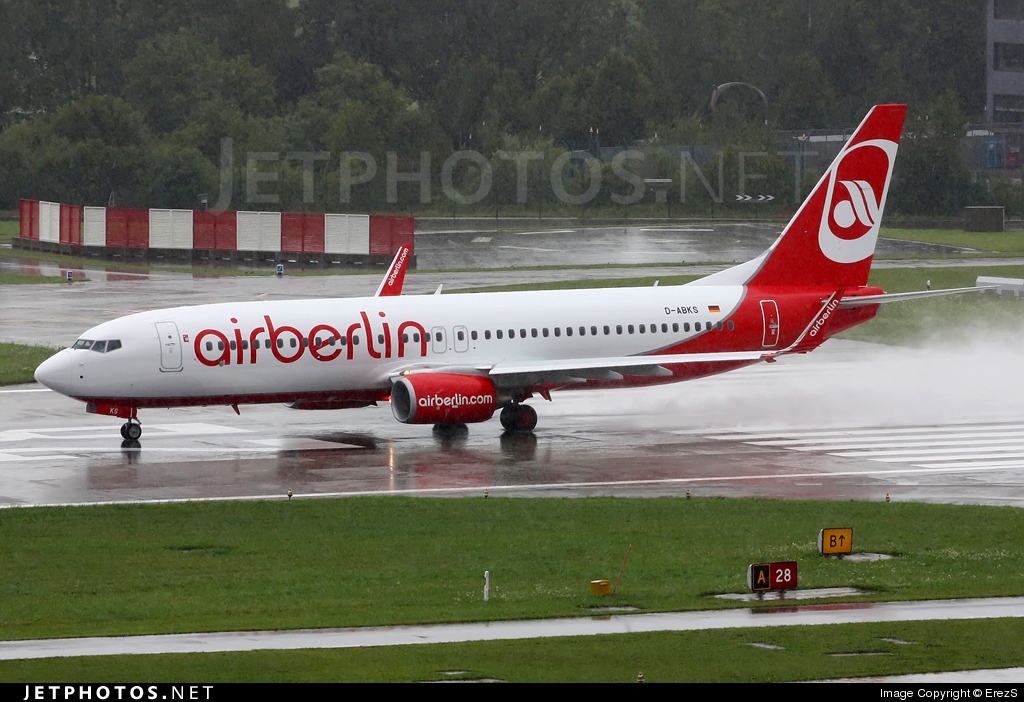 Photo of D-ABKS Boeing 737-86J by ErezS