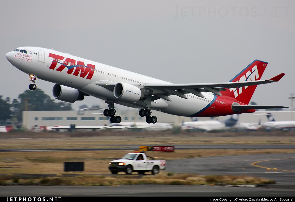 Photo of PT-MVS Airbus A330-223 by Arturo Zapata