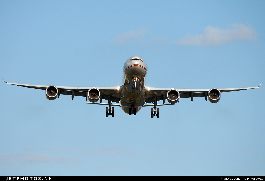 Photo of A6-EHF Airbus A340-642X by rmk2112