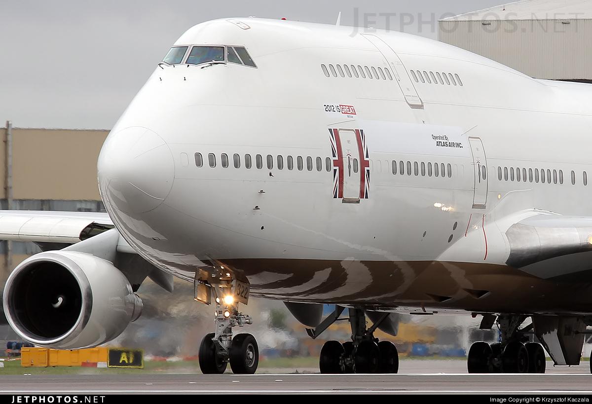 Photo of N322SG Boeing 747-481 by Krzysztof Kaczala
