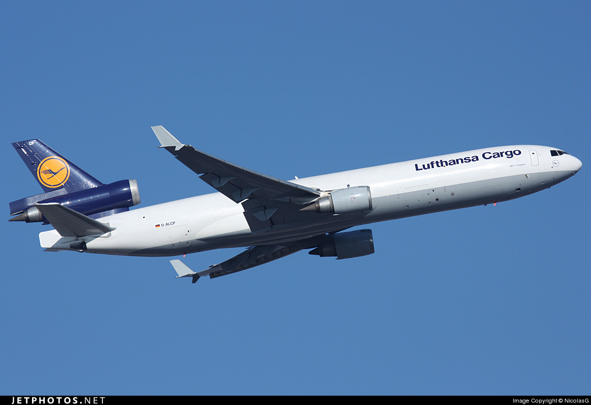 Photo of D-ALCP McDonnell Douglas MD-11(F) by NicolasG
