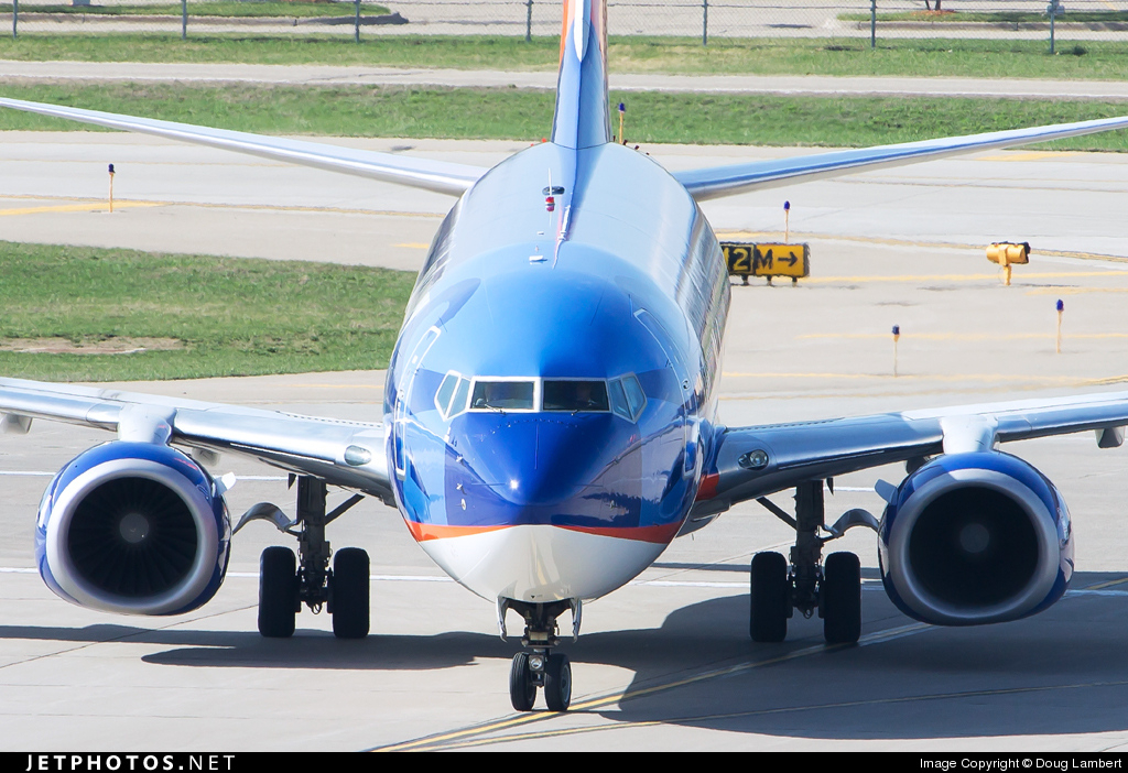 Photo of N809SY Boeing 737-8Q8 by Doug Lambert