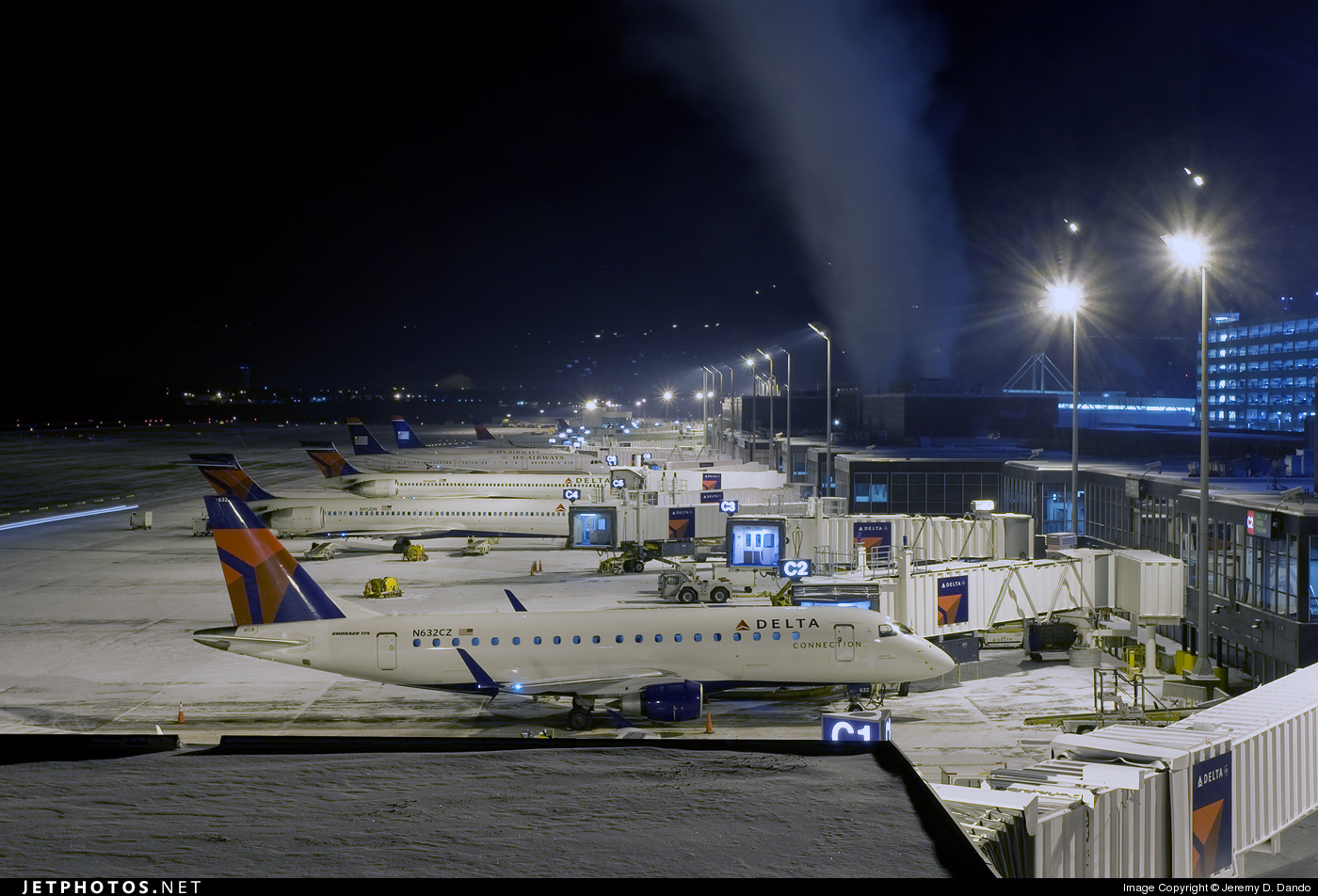 Photo of KMSP Airport by Jeremy D. Dando