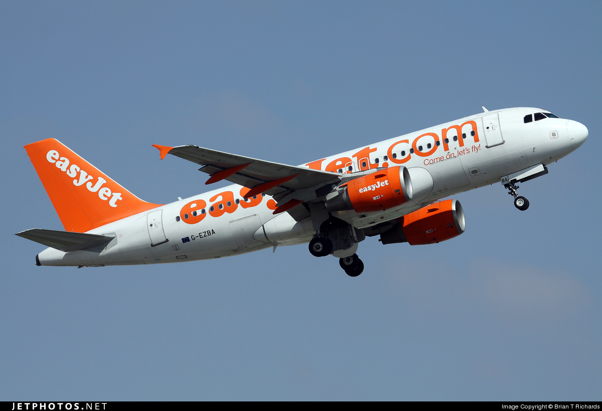 Photo of G-EZBA Airbus A319-111 by Brian T Richards