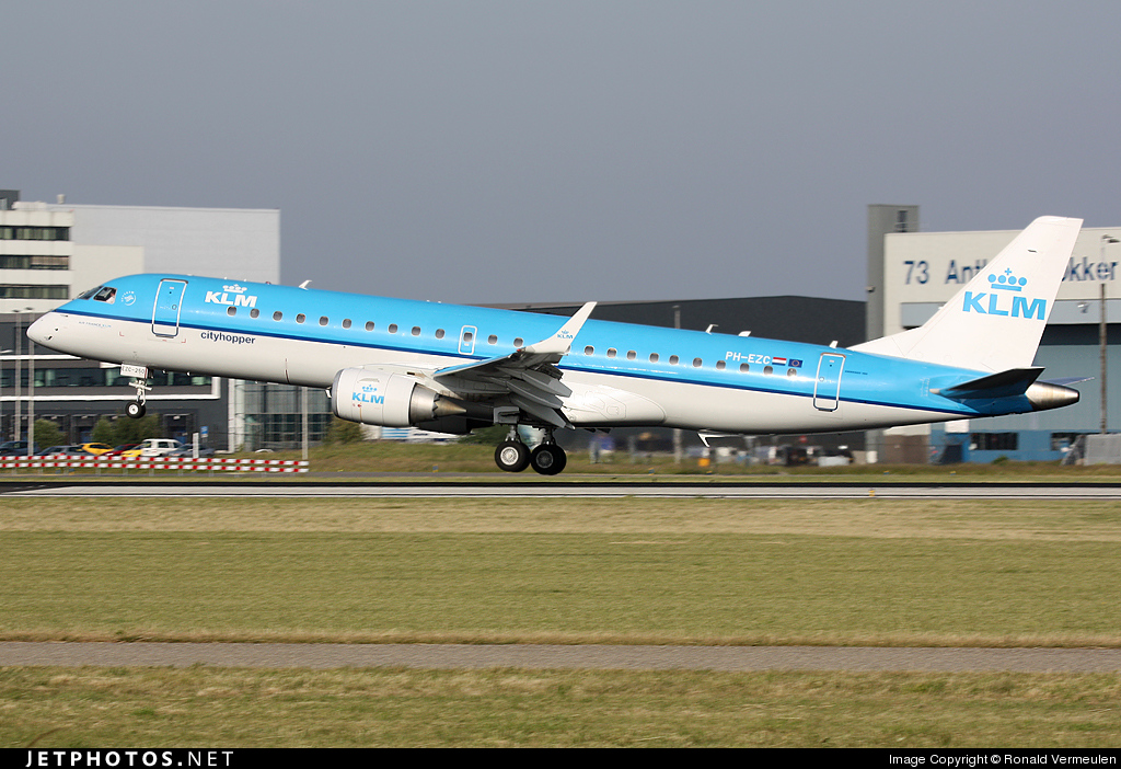 Photo of PH-EZC Embraer 190-100STD by Ronald Vermeulen