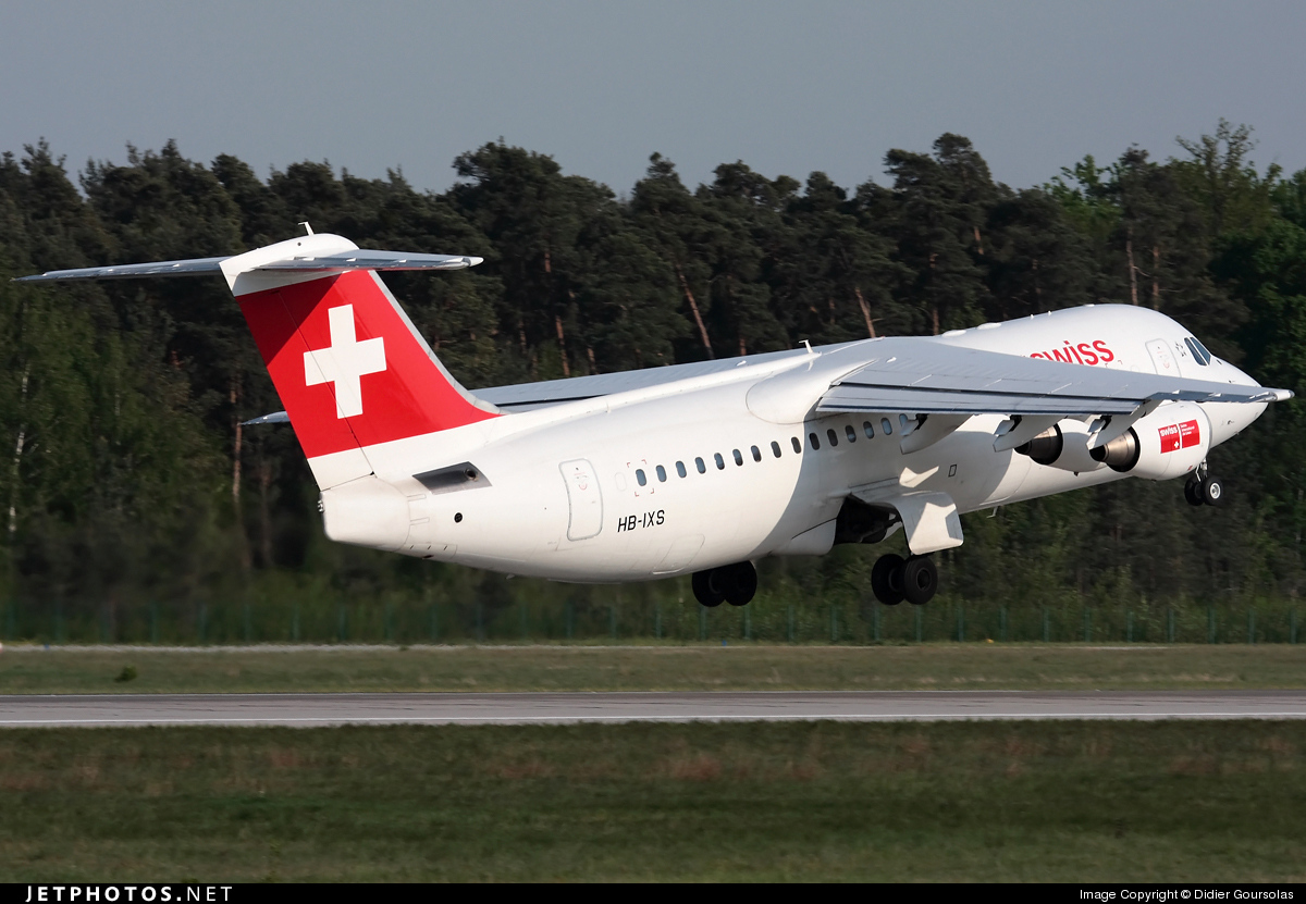 Photo of HB-IXS British Aerospace Avro RJ100 by Didier Goursolas