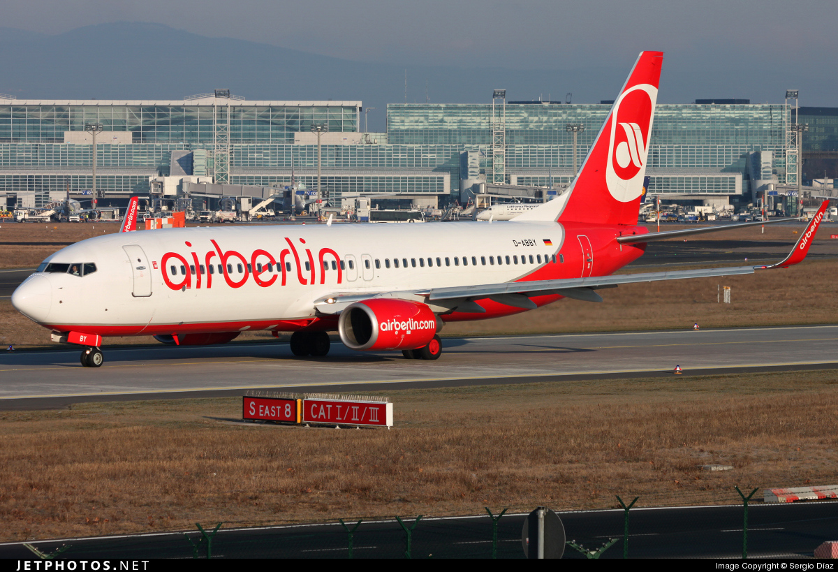 Photo of D-ABBY Boeing 737-808 by Sergio Díaz
