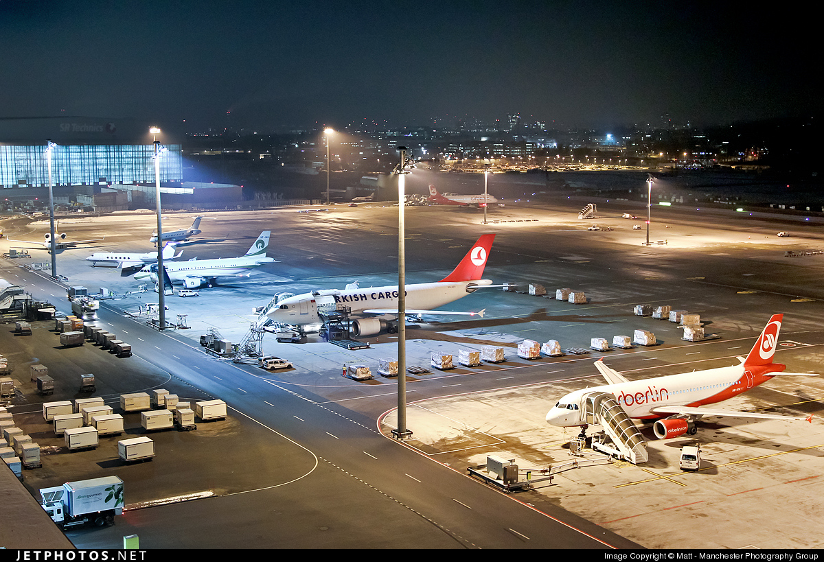 Photo of LSZH Airport by Matt - Manchester Photography Group