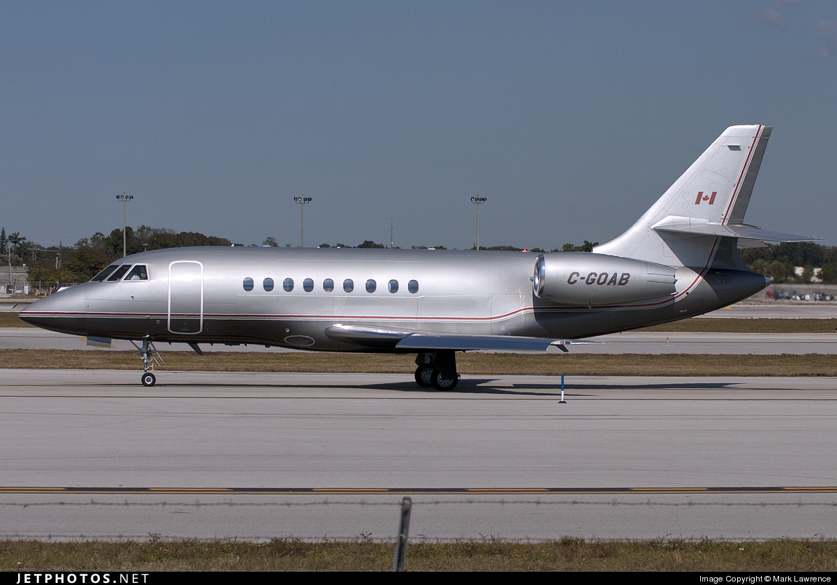 Photo of C-GOAB Dassault Falcon 2000EX by Mark Lawrence