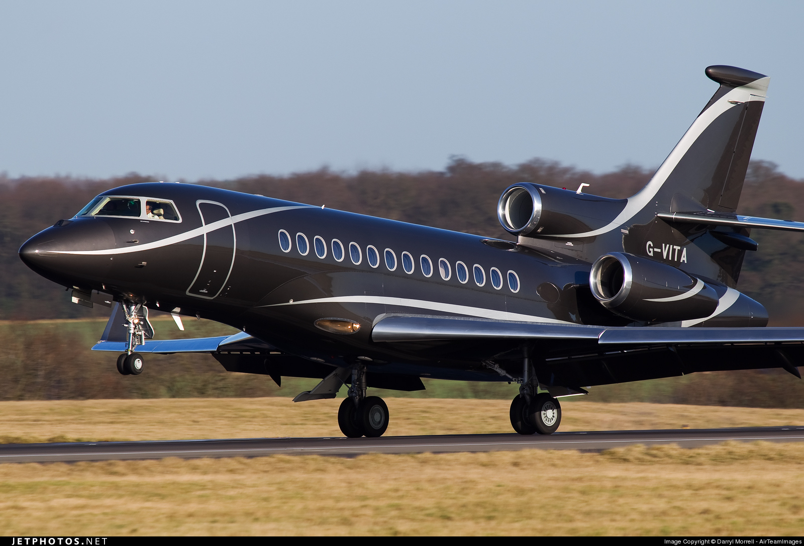 Photo of G-VITA Dassault Falcon 7X by Darryl Morrell - AirTeamImages