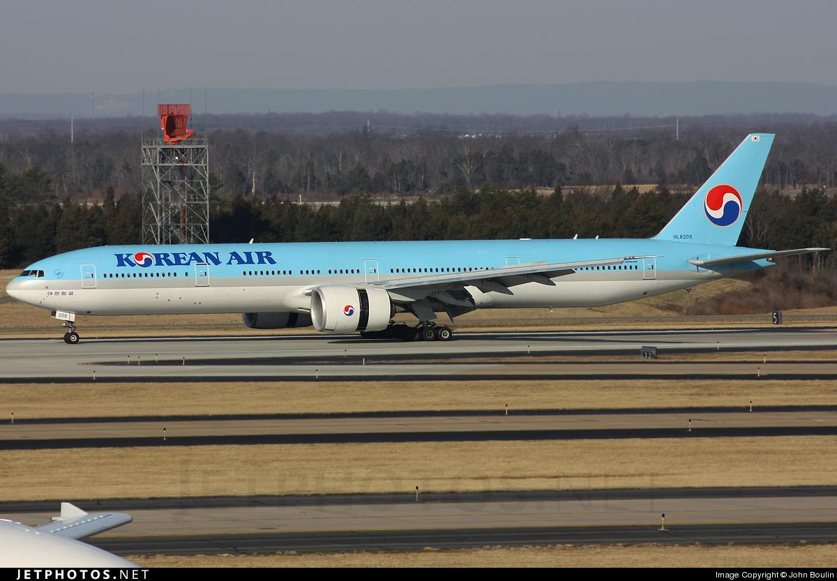 Photo of HL8210 Boeing 777-3B5ER by John Boulin