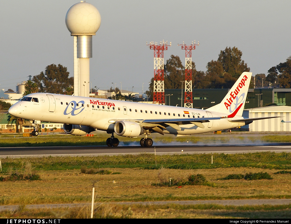 Photo of EC-LIN Embraer 190-200LR by Fernandez Manuel