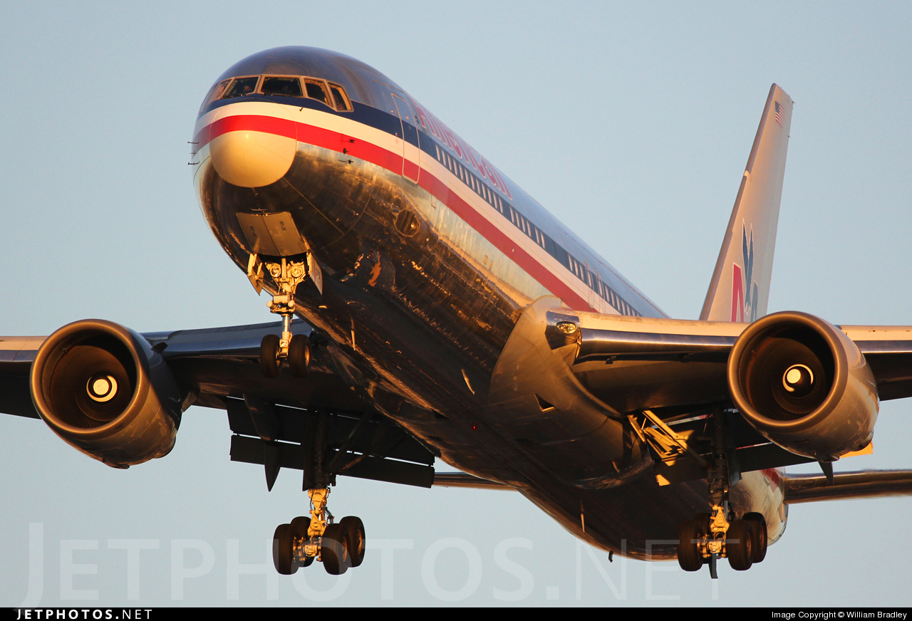 Photo of N7375A Boeing 767-323(ER) by William Bradley