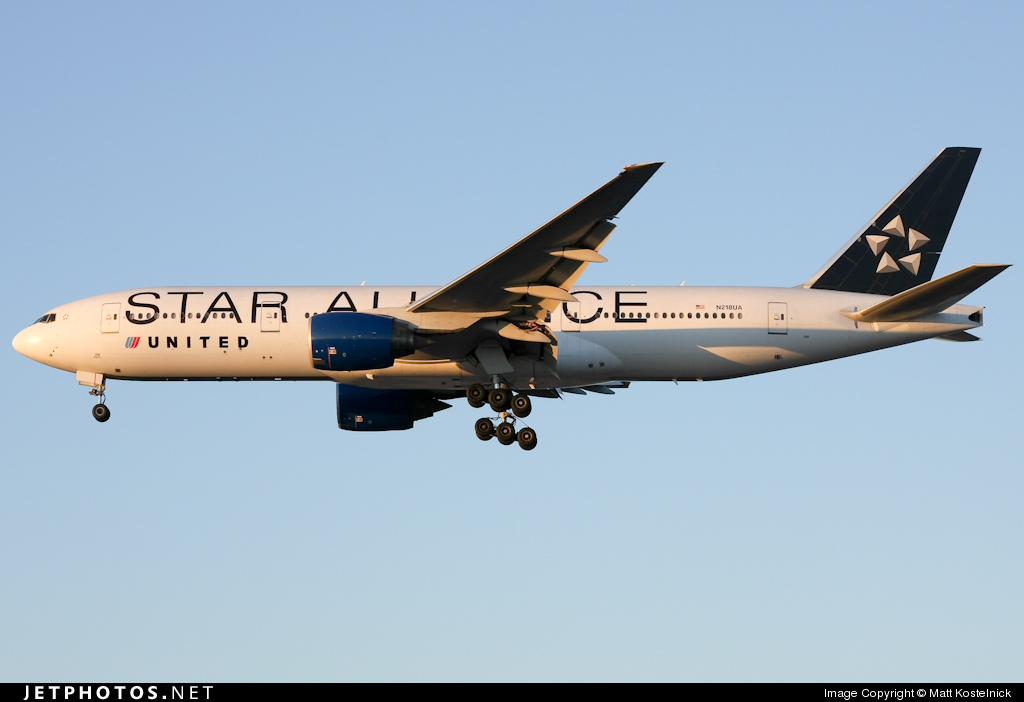 Photo of N218UA Boeing 777-222(ER) by Matt Kostelnick