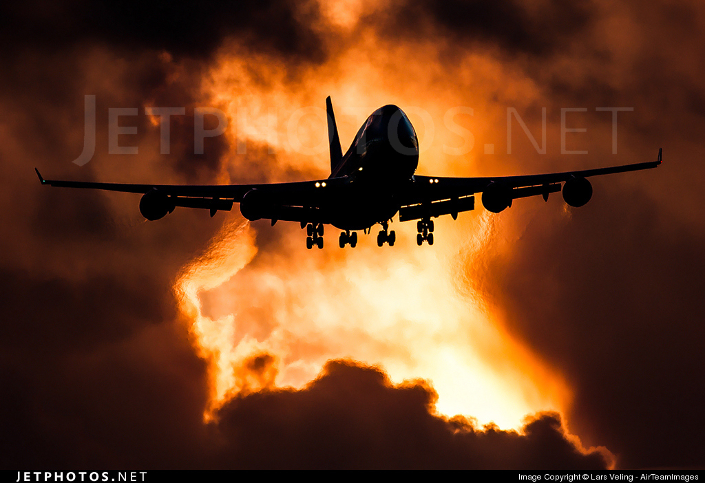 Photo of PH-BFS Boeing 747-406(M) by Lars Veling - AirTeamImages