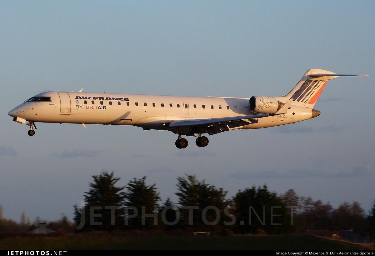 Photo of F-GRZJ Bombardier CRJ-701 by Maxence GRAF - Aeronantes Spotters