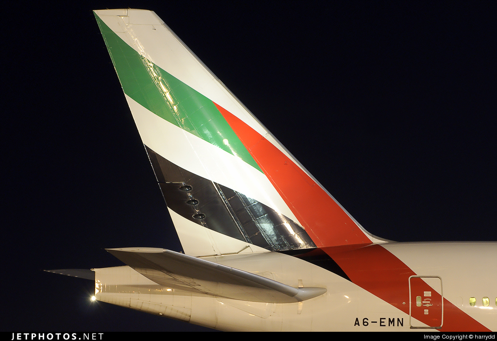 Photo of A6-EMN Boeing 777-31H by harrydd
