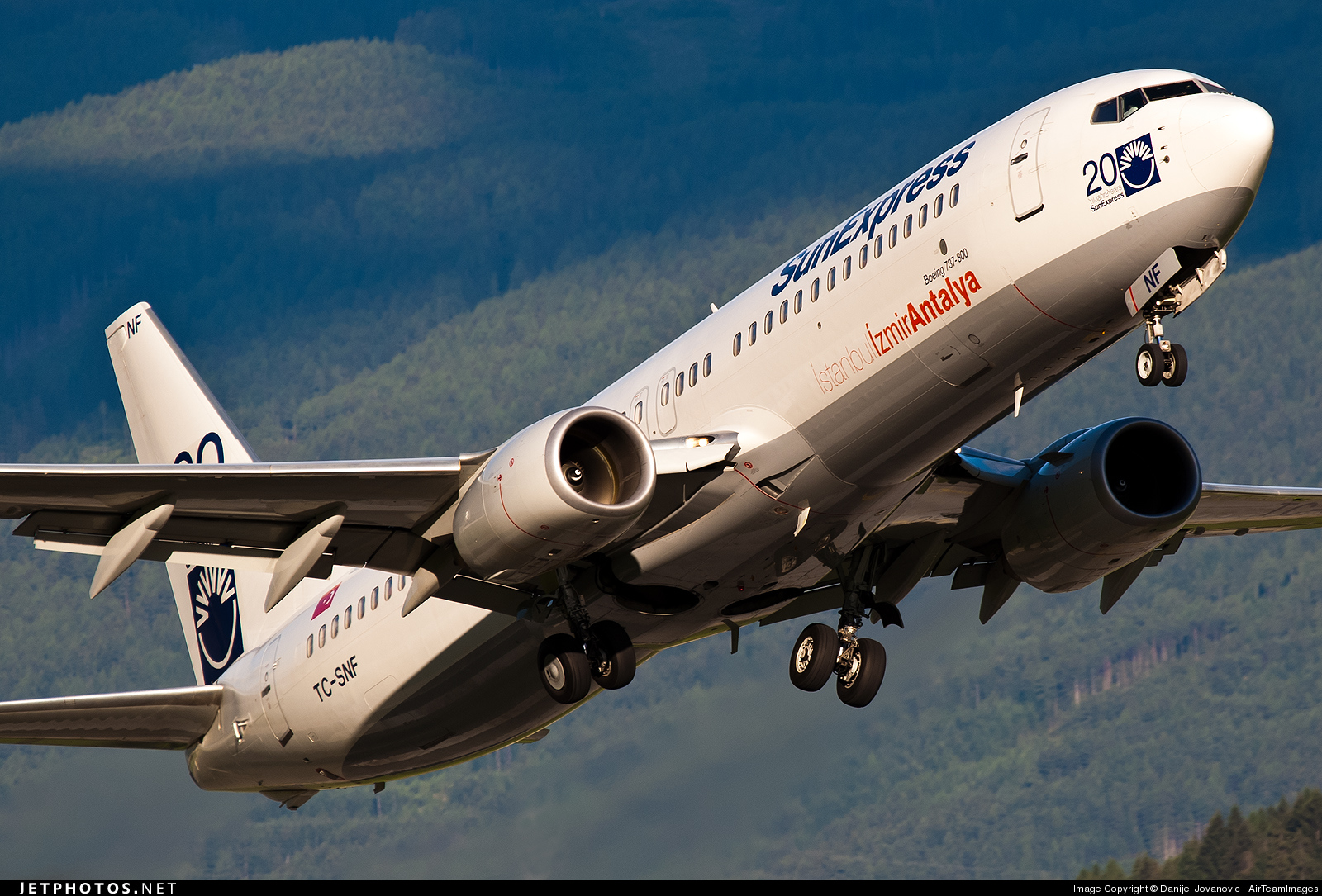 Photo of TC-SNF Boeing 737-8HC by Danijel Jovanovic - AirTeamImages