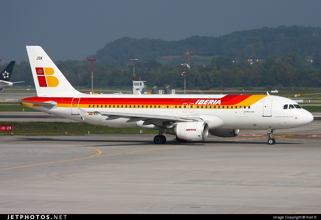 Photo of EC-JSK Airbus A320-214 by Karl K.