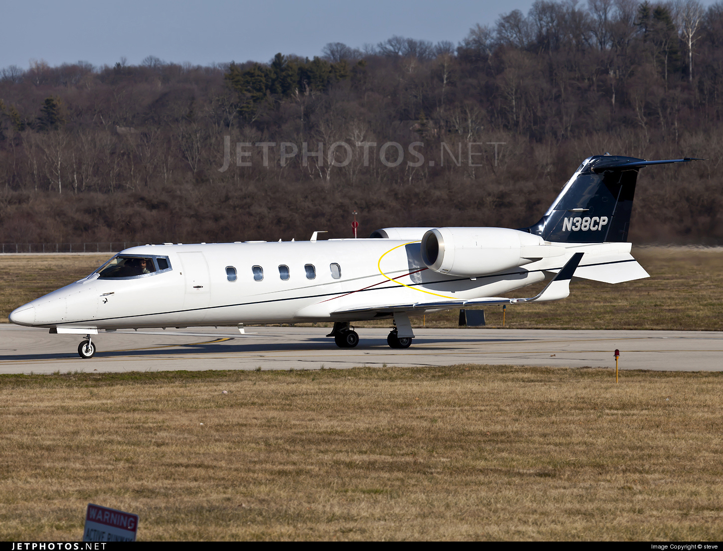 Photo of N38CP Bombardier Learjet 60 by steve