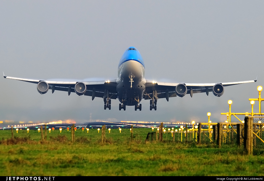 Photo of PH-BFL Boeing 747-406 by Ad Lobbrecht