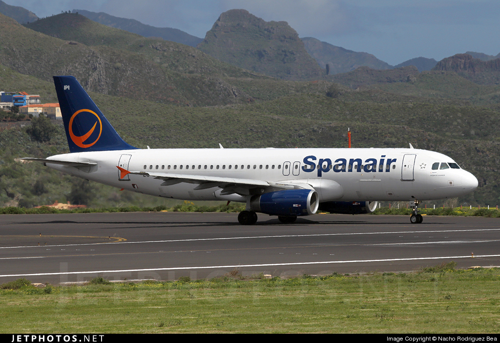 Photo of EC-IPI Airbus A320-232 by Nacho Rodriguez Bea