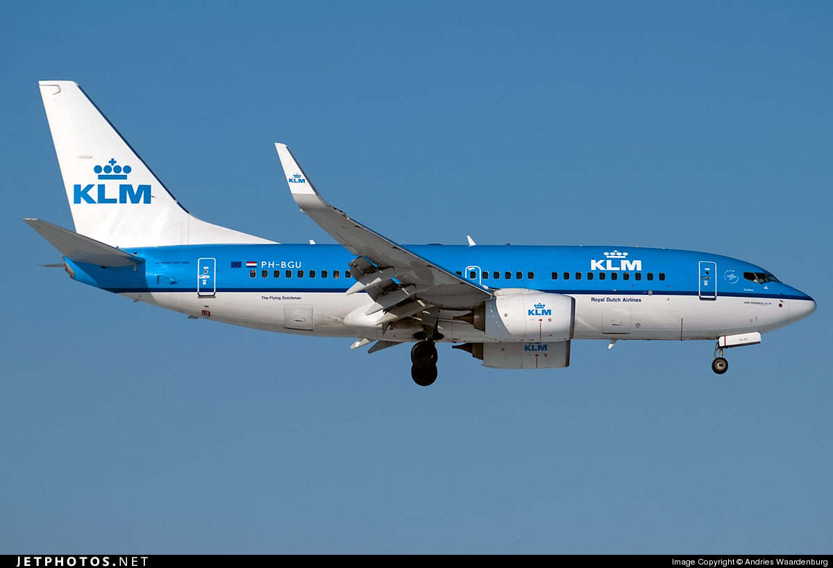 Photo of PH-BGU Boeing 737-7K2 by Andries Waardenburg