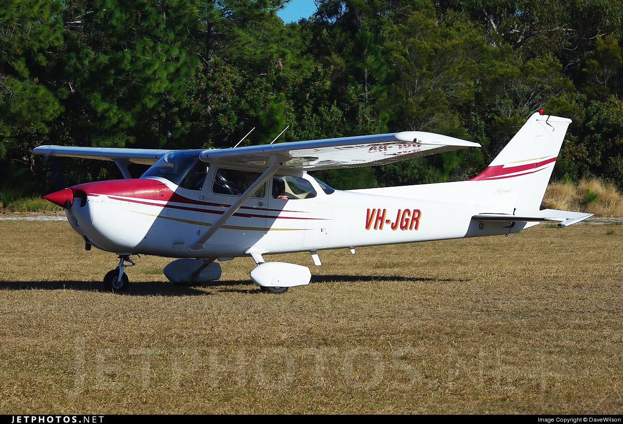 Photo of VH-JGR Cessna 172N Skyhawk II by DaveWilson