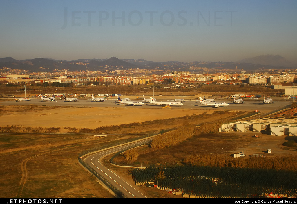 Photo of LEBL Airport by Carlos Miguel Seabra